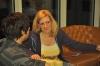 Warming Up in der Hotelbar mit Nerd in Skirt